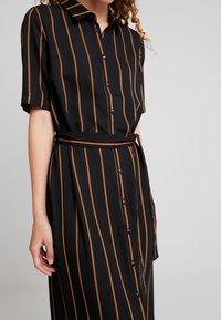 Minimum - AVILA - Robe chemise - black - 6
