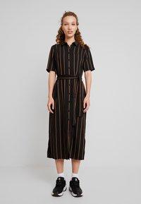 Minimum - AVILA - Robe chemise - black - 0
