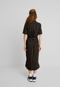 Minimum - AVILA - Robe chemise - black - 3