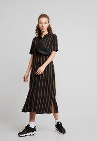 Minimum - AVILA - Robe chemise - black - 2