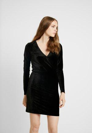 SURILINA DRESS - Vardagsklänning - black