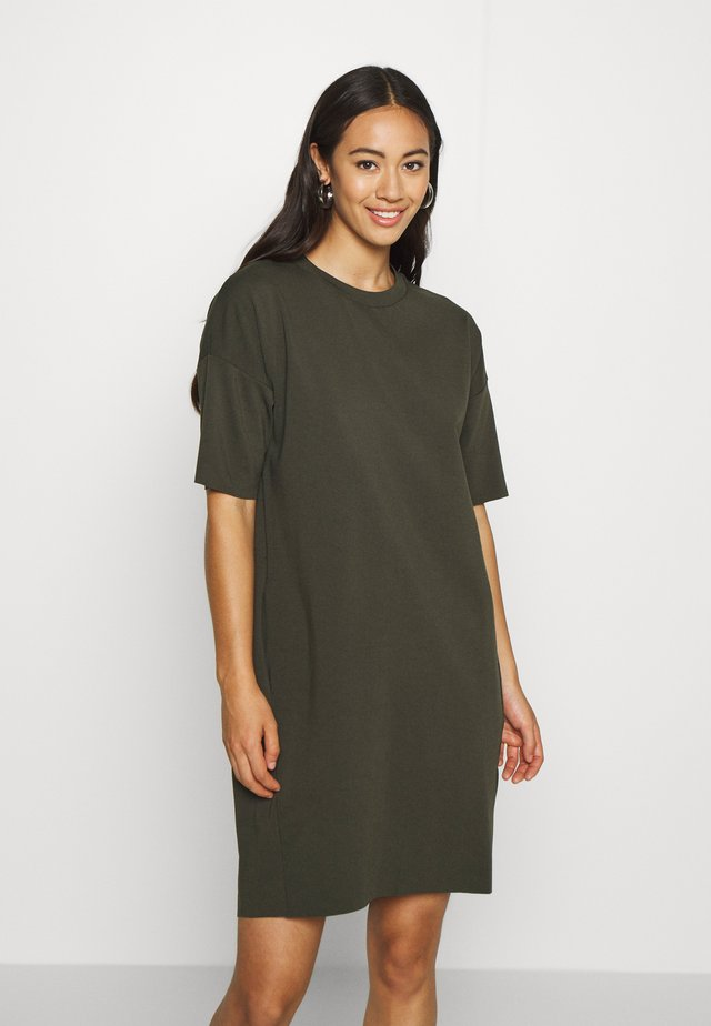 REGITZA DRESS - Trikoomekko - racing green