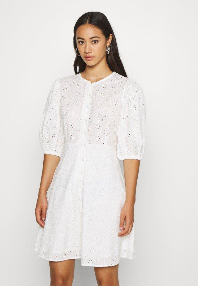 DJUNA DRESS - Kjole - snow white