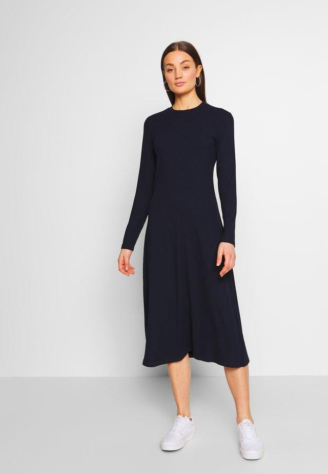 NANOMI - Robe pull - navy blazer