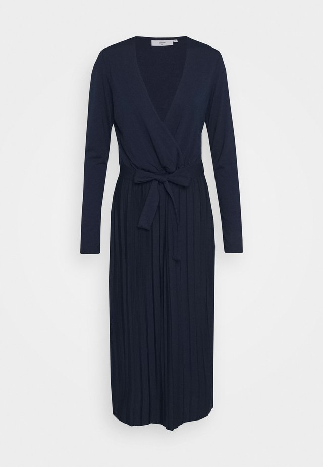 LYGGA DRESS - Maksimekko - navy blazer
