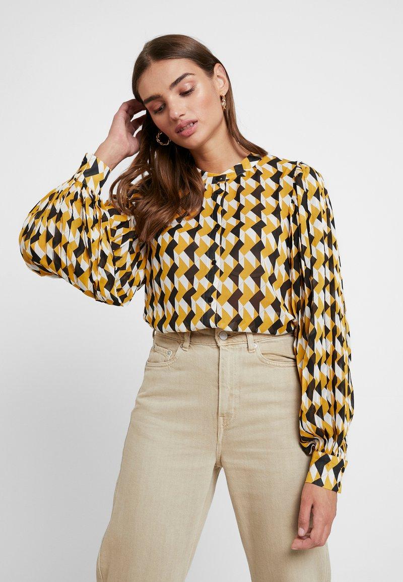 Minimum - LAVINA - Button-down blouse - misted yellow