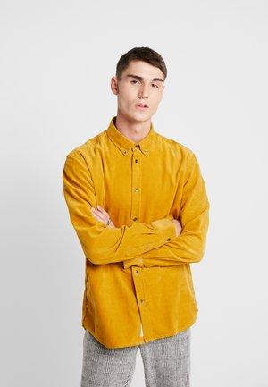 WALTHER  - Camisa - harvest gold