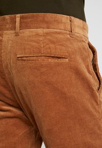 Minimum - MODEL TWO - Trousers - tobacco brown - 3