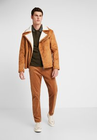 Minimum - MODEL TWO - Trousers - tobacco brown - 1