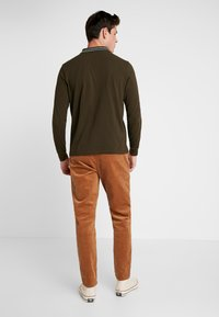 Minimum - MODEL TWO - Trousers - tobacco brown - 2