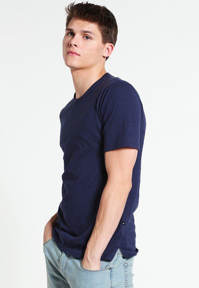 Minimum - DELTA - Basic T-shirt - dark iris
