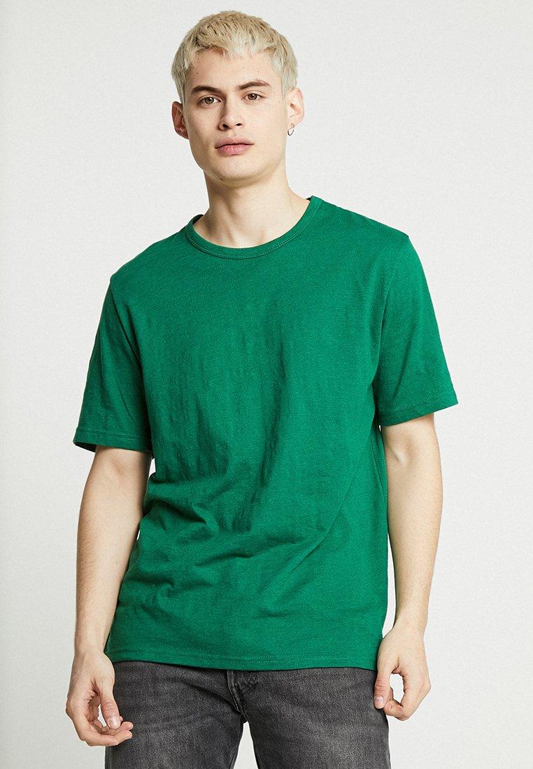 Minimum - DELTA  - Basic T-shirt - verdant green melange