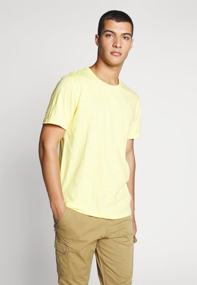 DELTA - T-Shirt basic - samoan sun