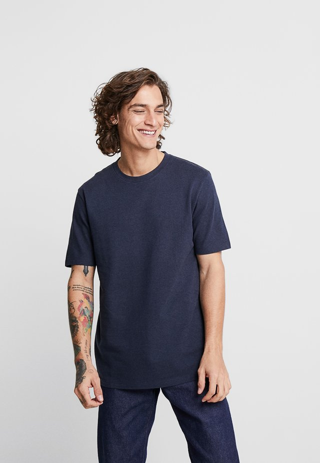 SIMS - Basic T-shirt - navy blazer