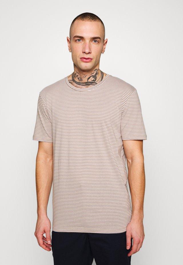 LUKA - T-shirt basic - seneca rock