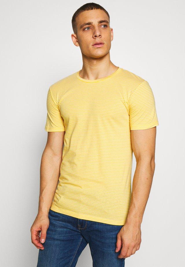 LUKA - T-shirt basic - samoan sun