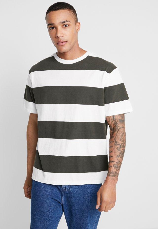 MOERK - T-Shirt print - racing green