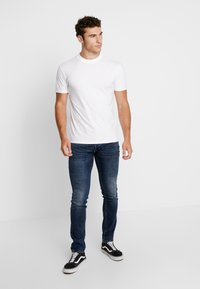 Minimum - AARHUS - T-shirt basic - white