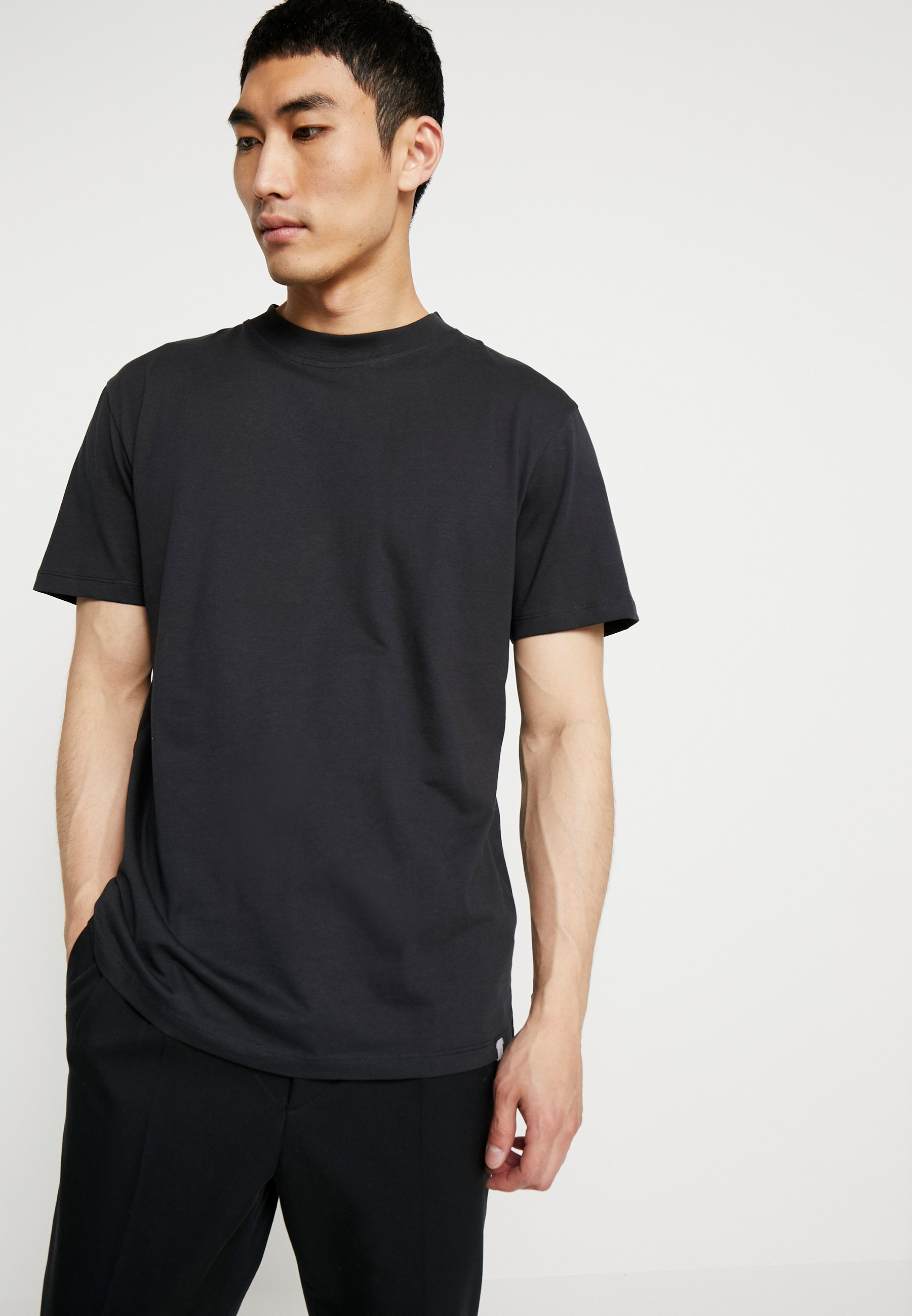 Minimum AARHUS - T-shirt basic - black