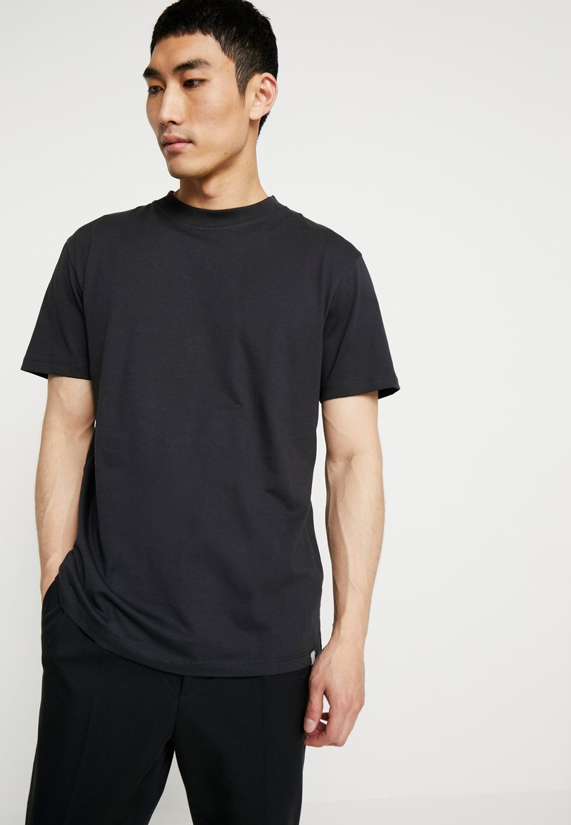 Minimum - AARHUS - Basic T-shirt - black