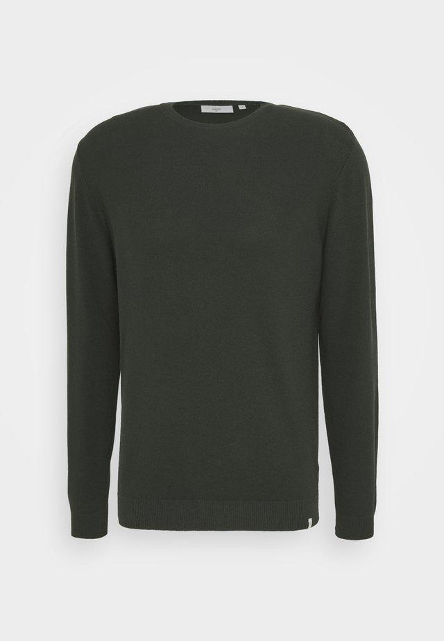 CURTH - Stickad tröja - racing green