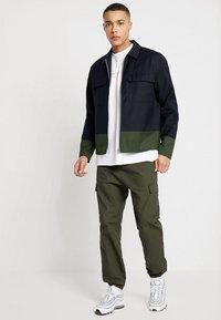Minimum - HOLSE - Giacca leggera - navy blazer - 1