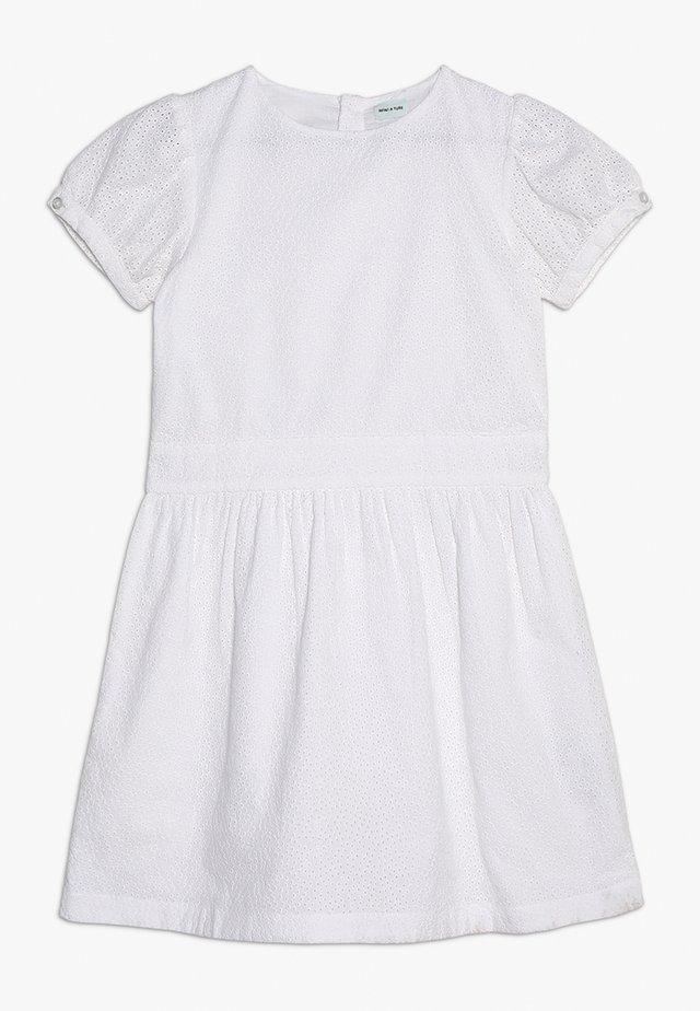 SANAZ DRESS - Freizeitkleid - white