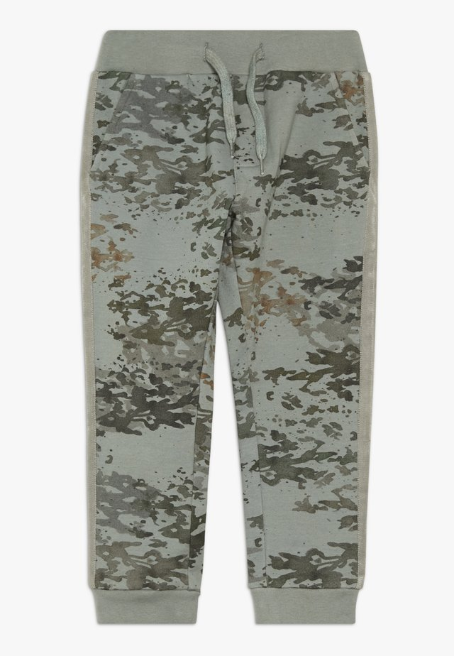 KRISTOFFER PANTS - Trainingsbroek - chinois green