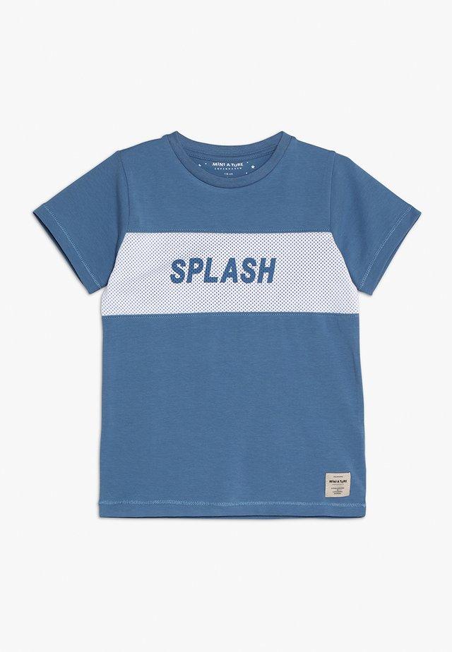 SIMION - T-shirt print - blue horizon