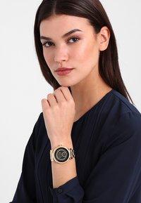 Michael Kors Access - SOFIE - Smartwatch - gold-coloured - 0