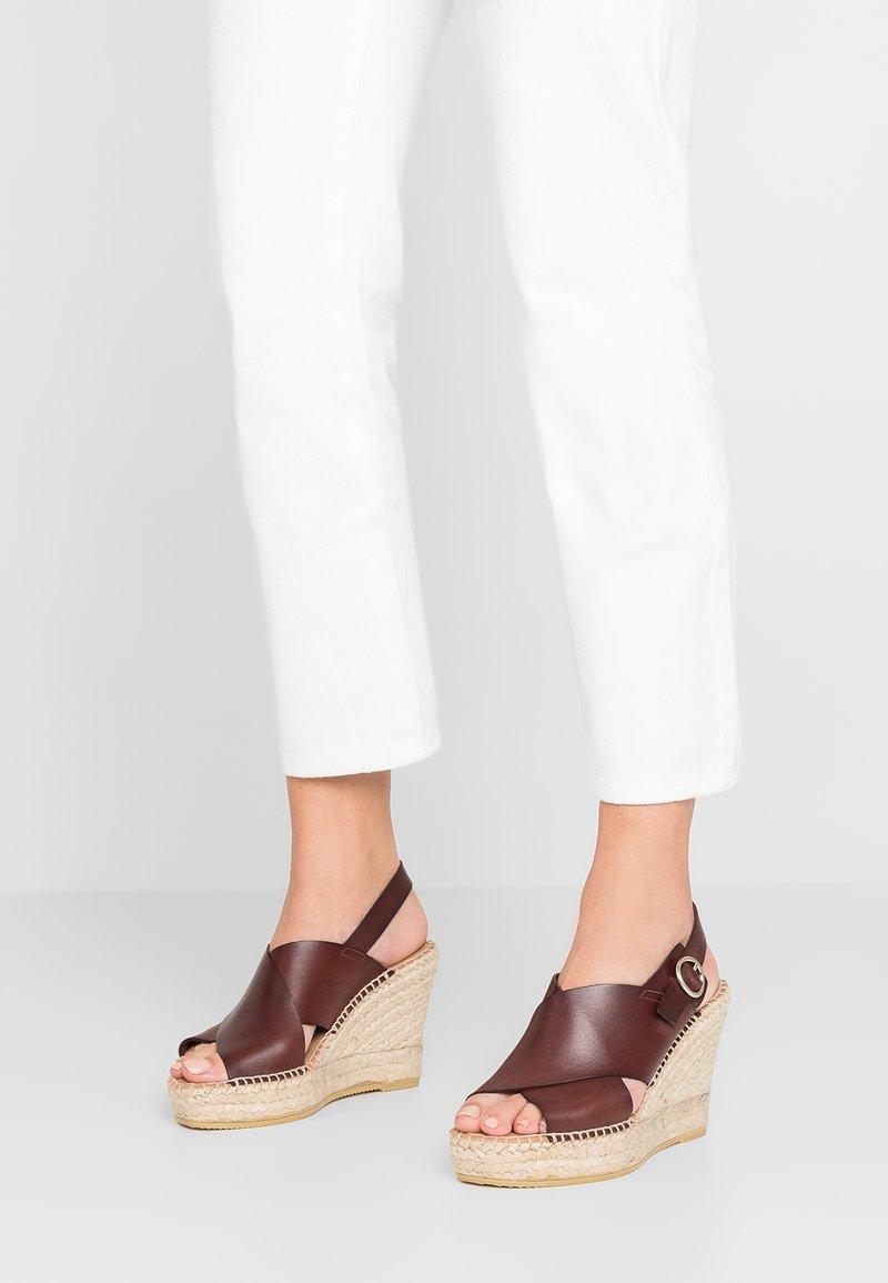 Minelli - Korolliset sandaalit - marron