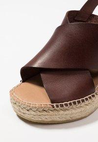 Minelli - Korolliset sandaalit - marron - 2