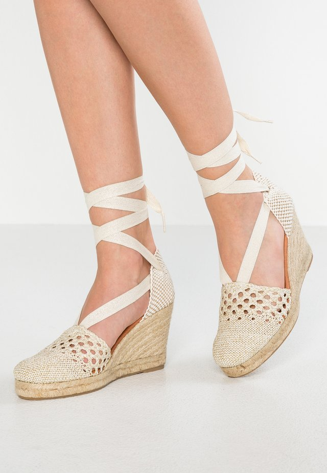 Platform sandals - ecru