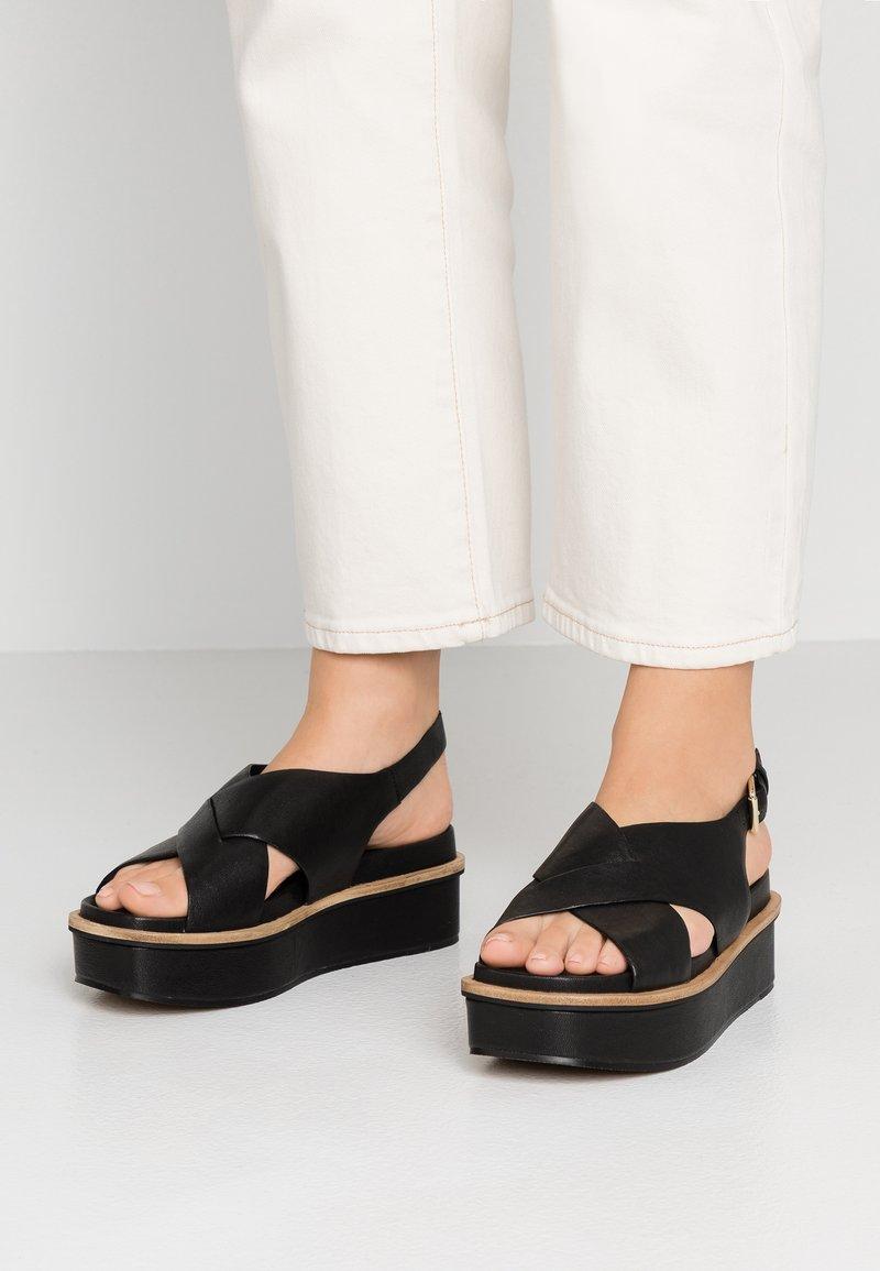 Minelli - Sandály na platformě - noir
