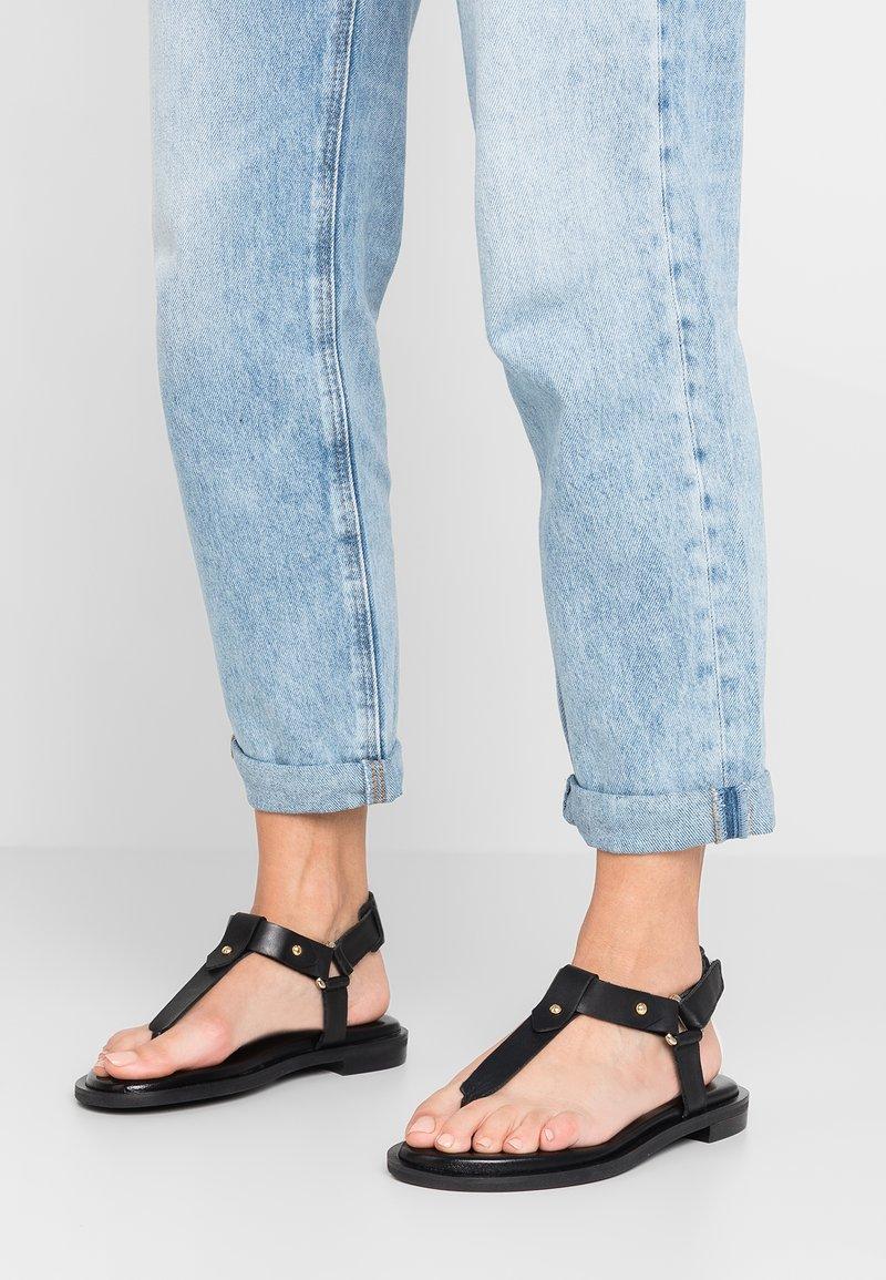 Minelli - T-bar sandals - noir