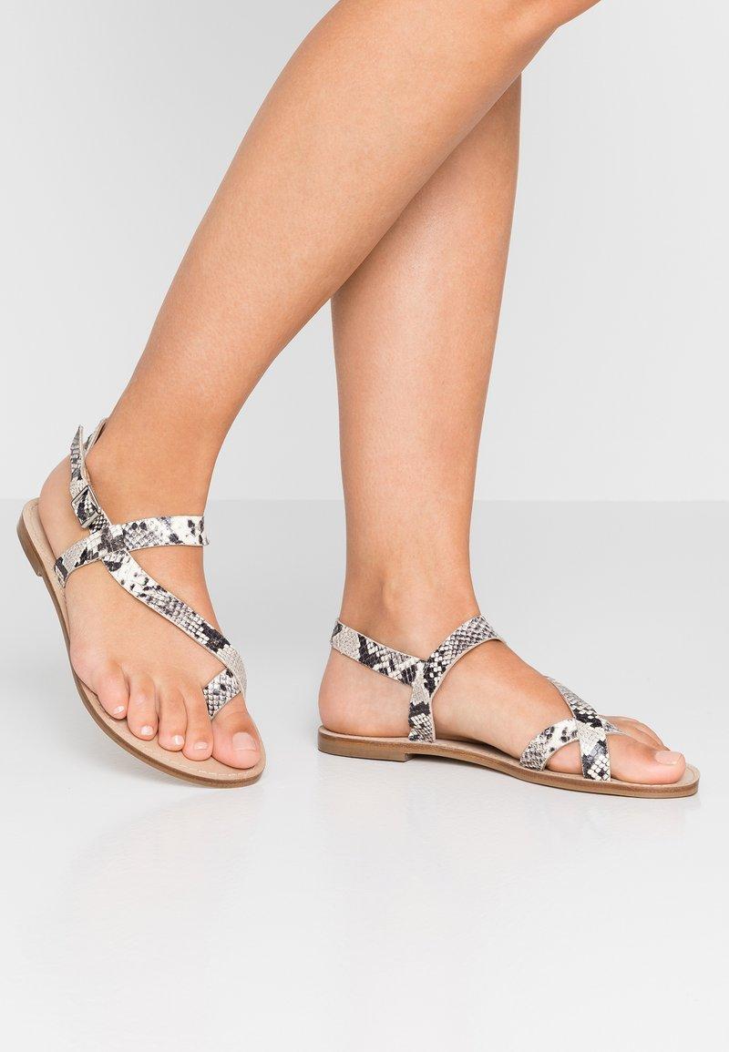 Minelli - T-bar sandals - naturel