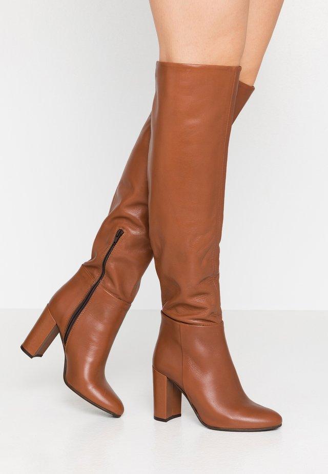 High Heel Stiefel - caramel