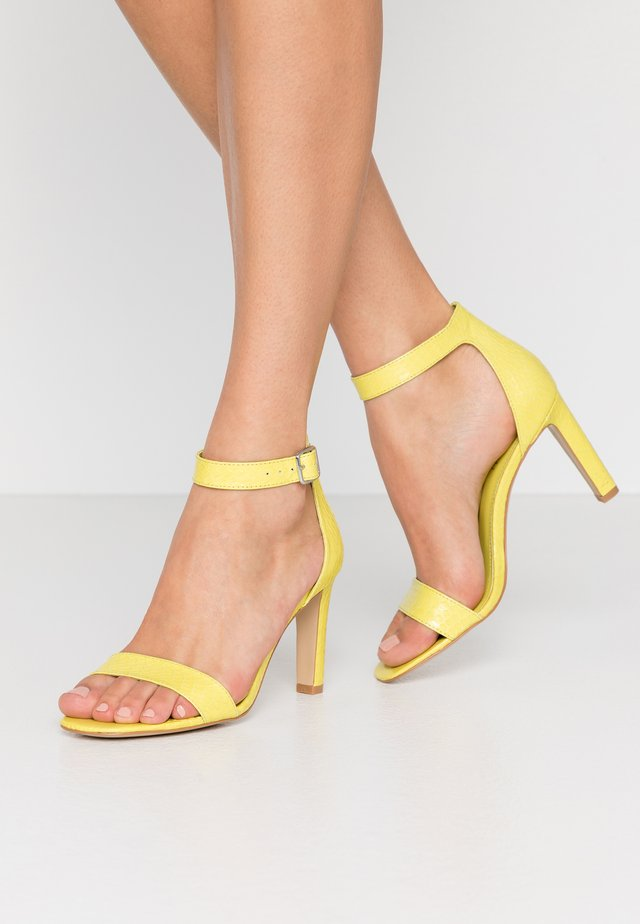 High heeled sandals - lime