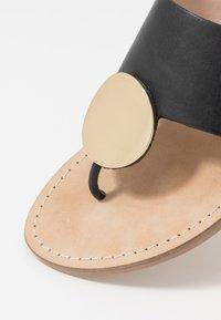 Minelli - Sandály s odděleným palcem - noir - 2