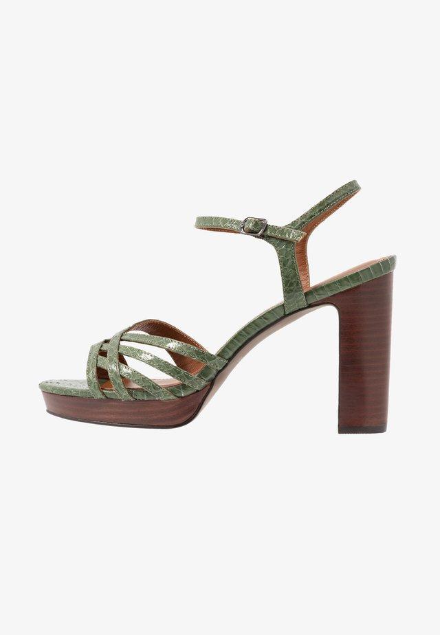 High heeled sandals - kaki