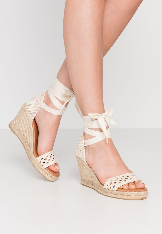 High heeled sandals - ecru