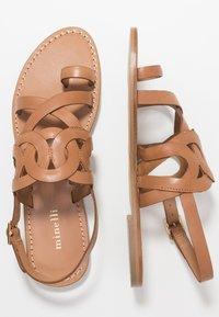 Minelli - Sandály s odděleným palcem - tan - 3