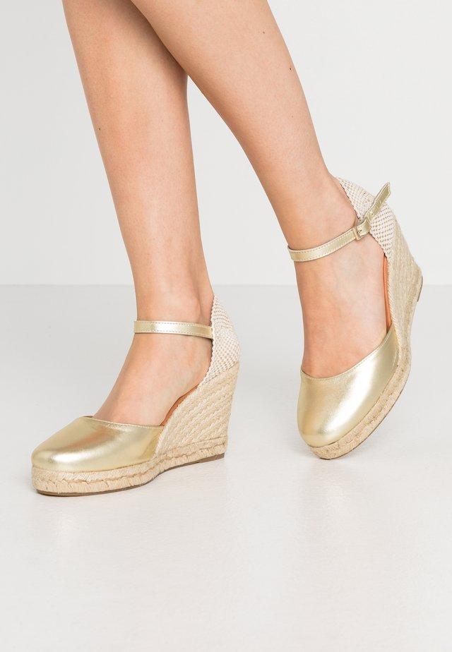 High heeled sandals - platine