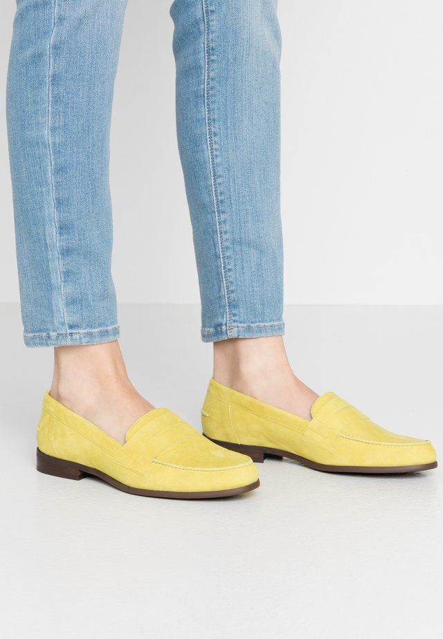 Slippers - lime