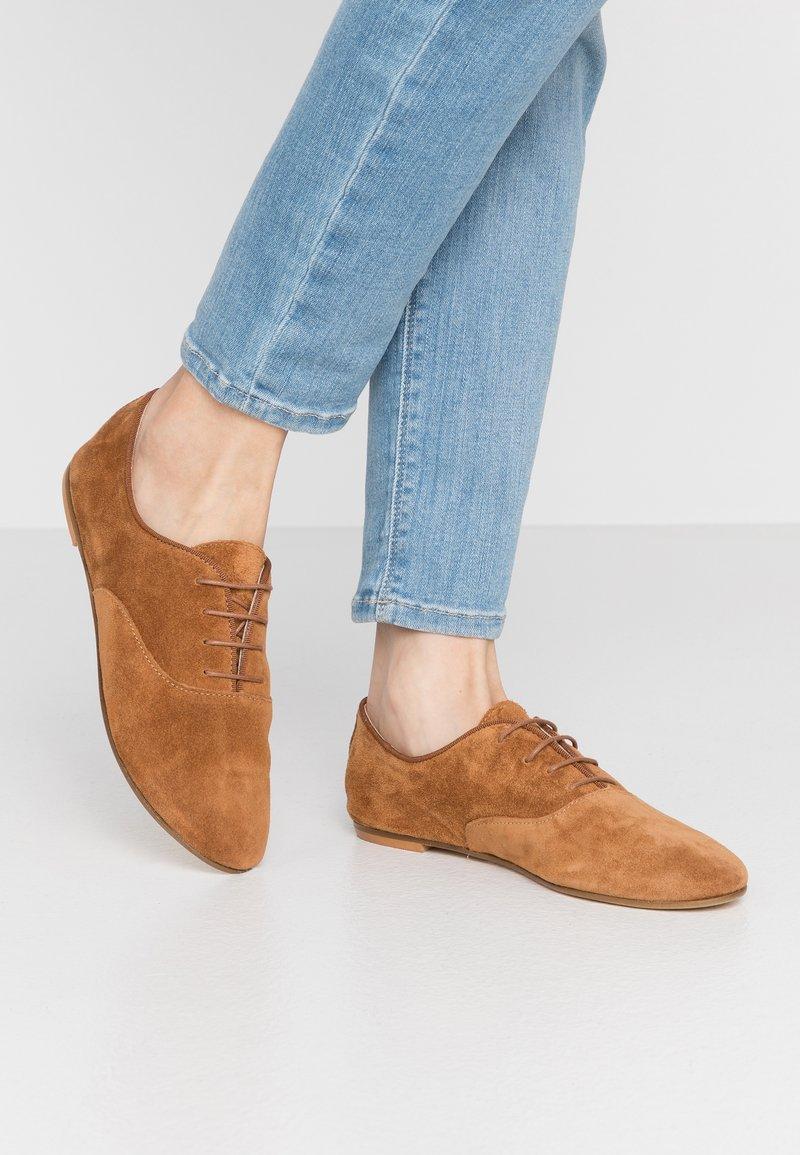 Minelli - Oksfordki - brown