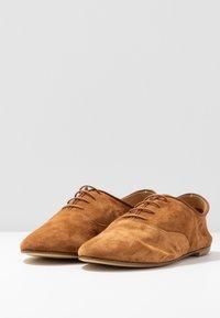 Minelli - Oksfordki - brown - 4