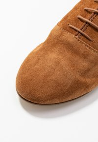 Minelli - Oksfordki - brown - 2