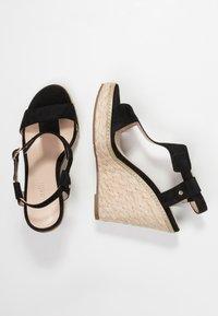 Minelli - Korolliset sandaalit - black - 3