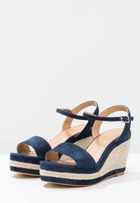 Minelli - Korolliset sandaalit - marine - 2