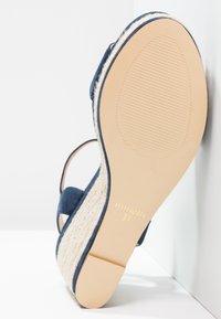 Minelli - Korolliset sandaalit - marine - 4